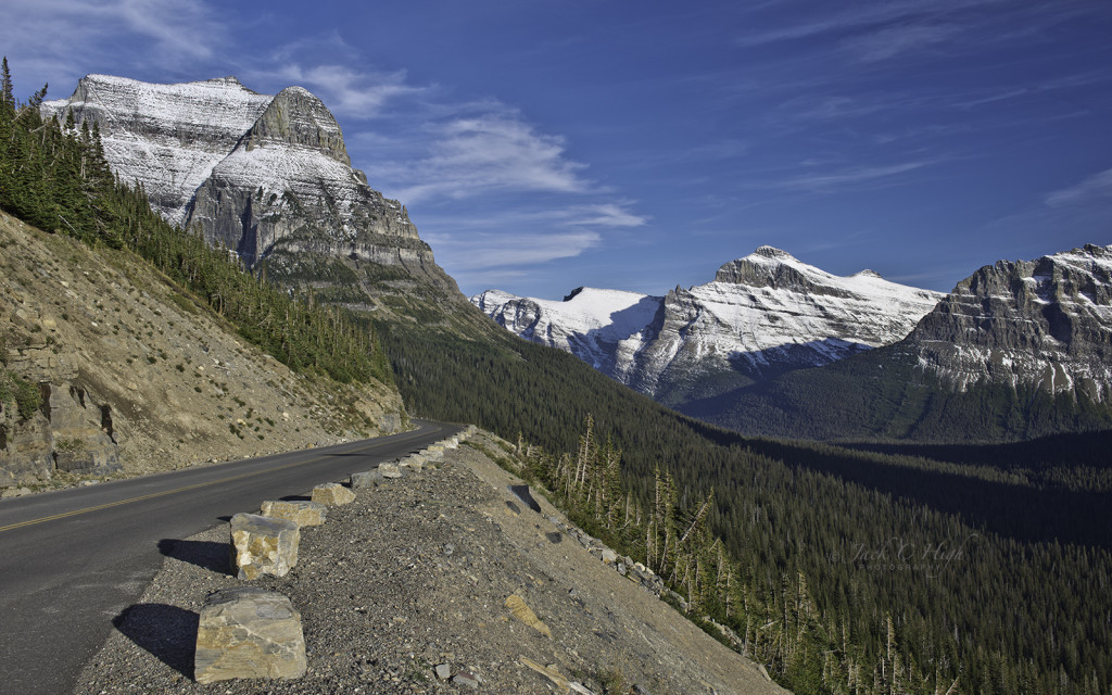 Going-to-the-Sun Road east of Logan Pass